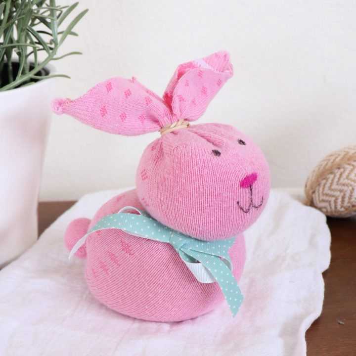 How to Make a Sock Bunny for Easter